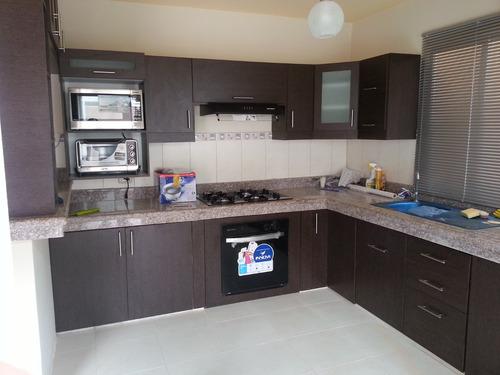 Modulares de cocina anaqueles en guayaquil for Anaqueles de cocina modernos