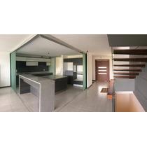 Cumbayá-casa Moderna:3 Dormitorios, Jardín, Porche, Balcón.