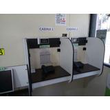 Una Cabina Telefónica Cyber Computadoras Celulares