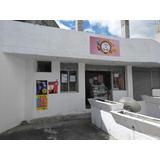 Tienda Ubicada En Sector Residencial De Capelo