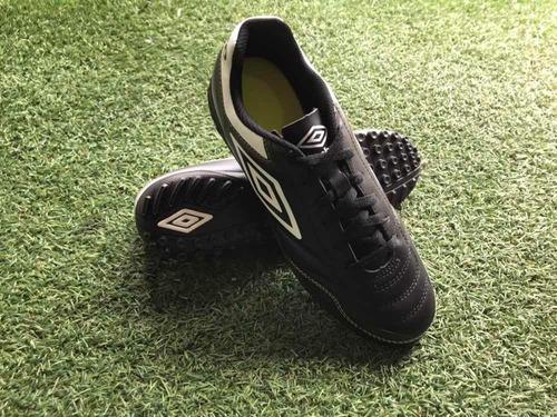 zapatos pupos umbro guayaquil 90