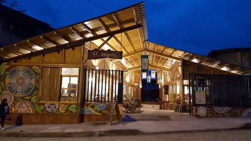 6 Hermosos  Locales  Comerciales En El Corazón De Mindo