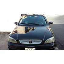 Chevrolet Astra Motor 1600 Año 2001 , 5 Puertas Color Negro