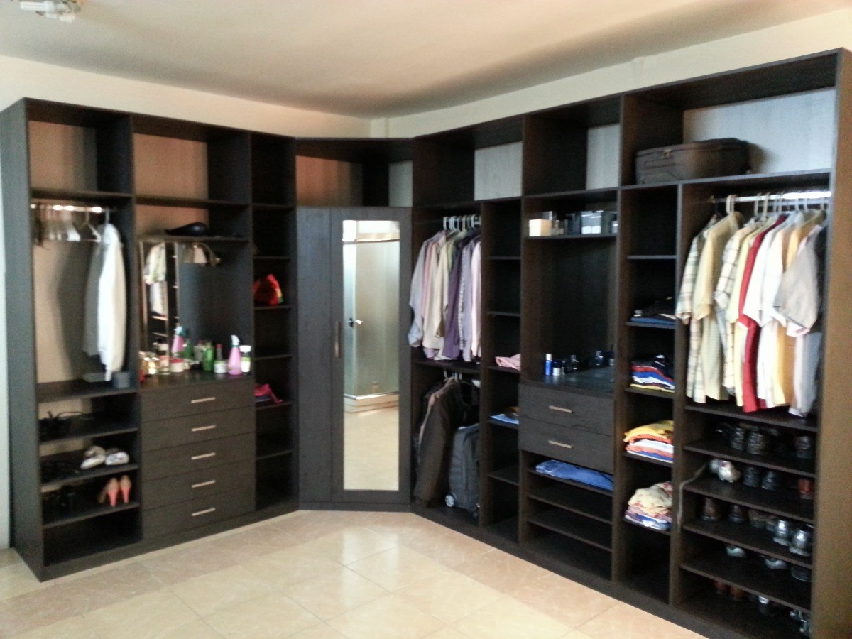 Closets armarios econ micos modernos u s 385 00 en for Closet con espacio para tv