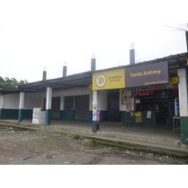 Casa Con Trs Locales Comerciales,3 Cuartos Independientes,