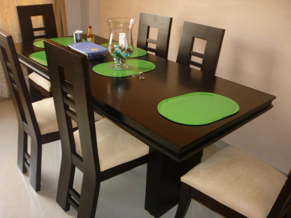 Juegos de comedor cocinas integrales for Comedores modernos de madera 2016