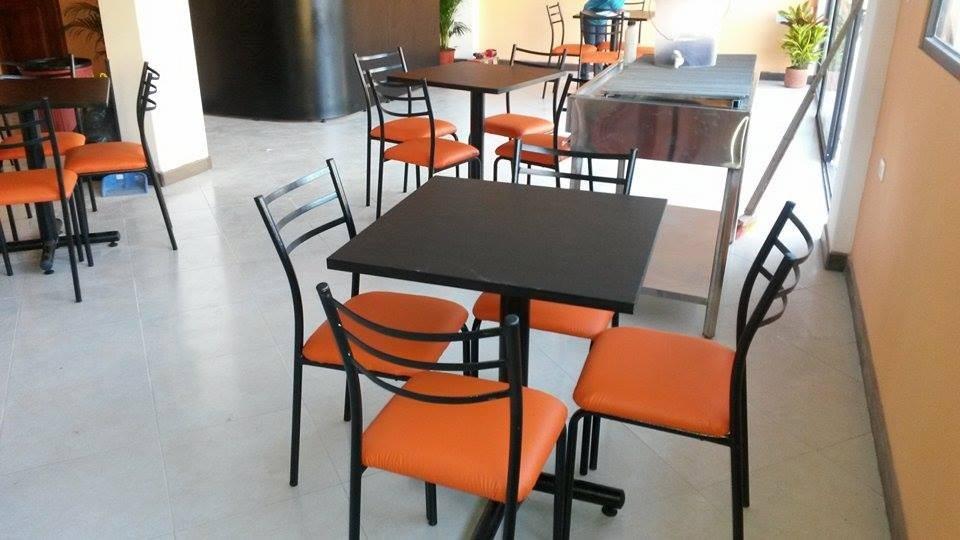 Mesas para restaurant sillas de comedor muebles de oficina for Mesas y sillas para oficina