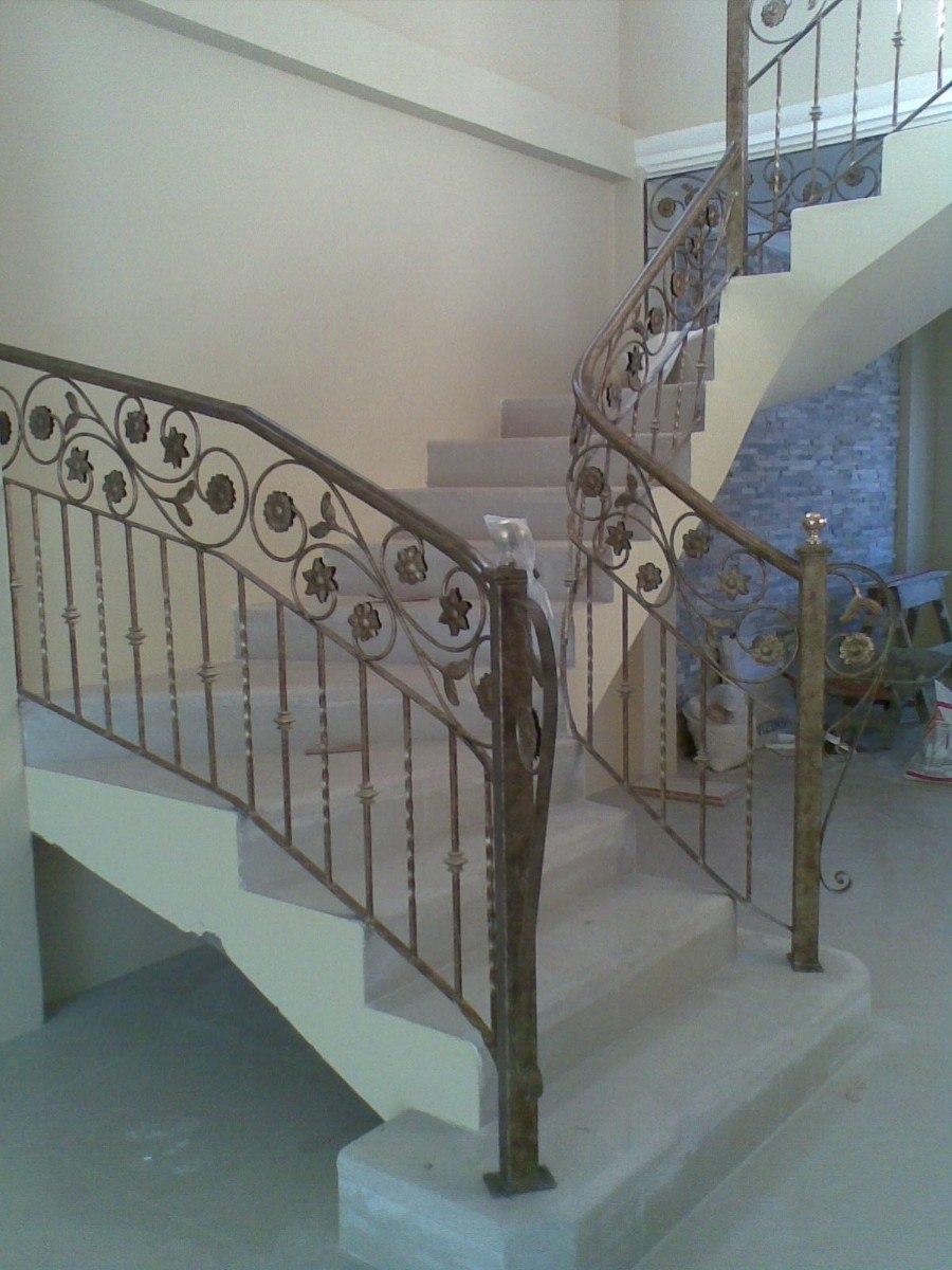 Interior de la escalera de hierro escalera barandilla for Pasamanos escalera interior